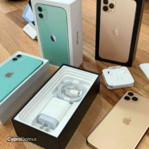 Apple iPhone 11 Pro Max 256GB $450 Whats